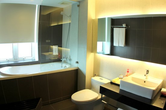 Anise Hotel: Parvkiew bathroom