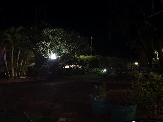 Korora Bay Village Resort : resort at night