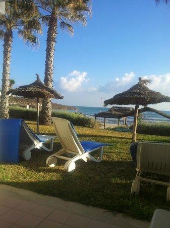 Royal Azur Thalasso Golf: Vue de la chambre sur la mer