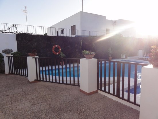 Las Lilas Apartments: la piscine