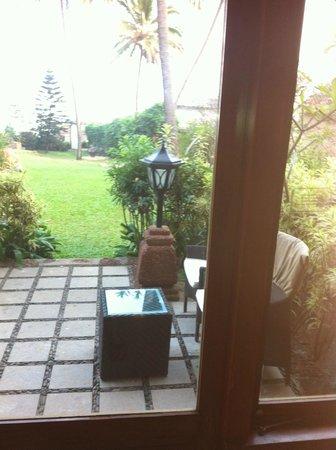 Taj Fort Aguada Resort & Spa, Goa: Sitting area outside the room
