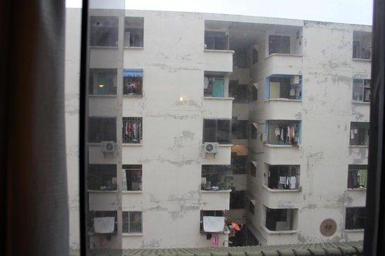 Aunchaleena Bangkok Hotel: Вид из окна