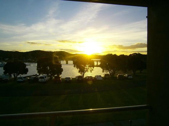 Copthorne Hotel & Resort Bay of Islands : Harbour View at Sunset from Our Room.