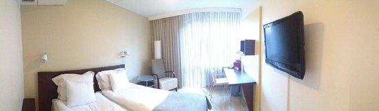 Hotel Birger Jarl : Our room inside