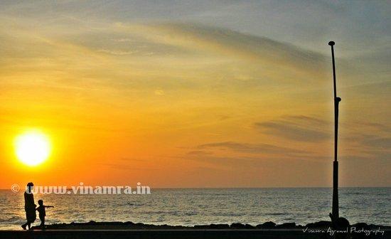 The Promenade: Sunrise