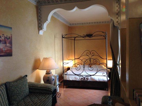 Riad Aguerzame : Room