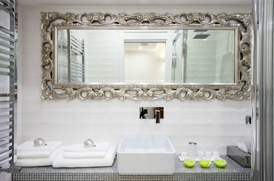 Domus Spagna Capo le Case Luxury Suites: Bagno in camera