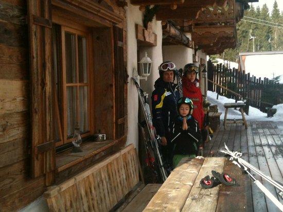 Almdorf Flachau: steps from slopes