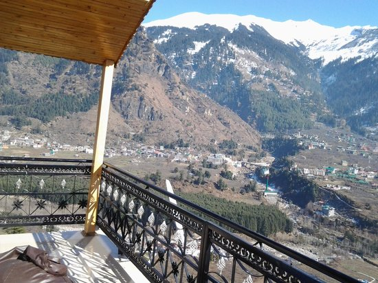 Pause at Manali: View From Balcony