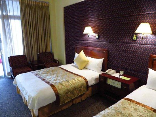 Grand Hotel Taipei: デラックスルームの様子