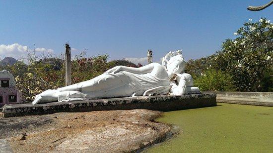 Wat Khao Krailas: liegender Buddha