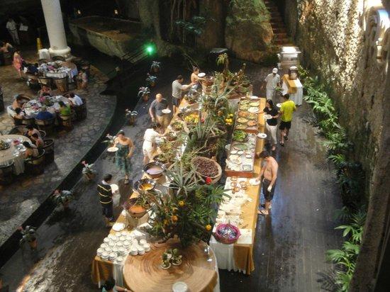 Xcaret Eco Theme Park: Buffet im Grotten-Restaurant