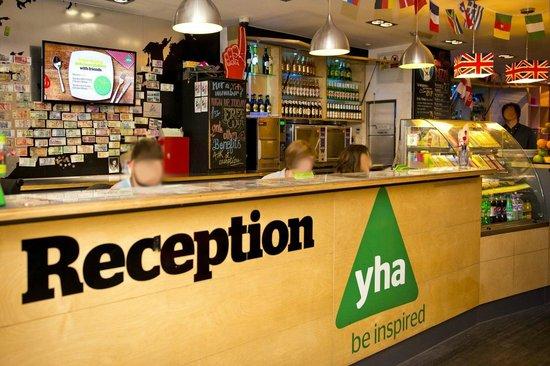 YHA London Central: Reception