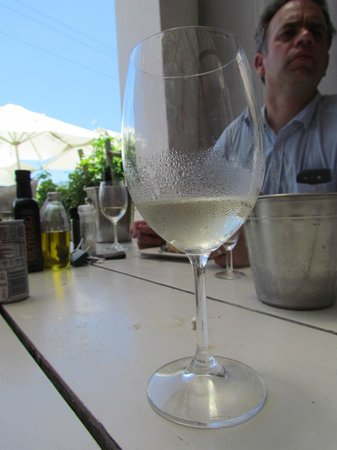 Bramon Wine Estate: Yummy ice cold white on a very hot day
