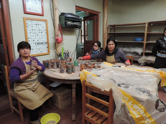 Ceramicas Seminario: Hand Painting the ceramics