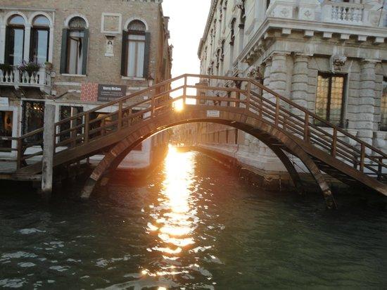 B&B Venice & Venice : foto de veneza com o por do sol  maravilhoso