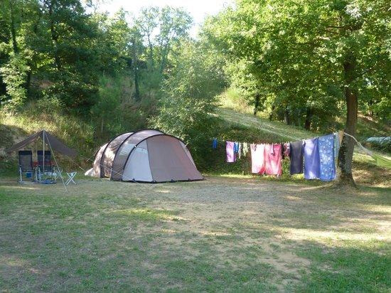 Camping Domaine La Garenne: Emplacement et tente