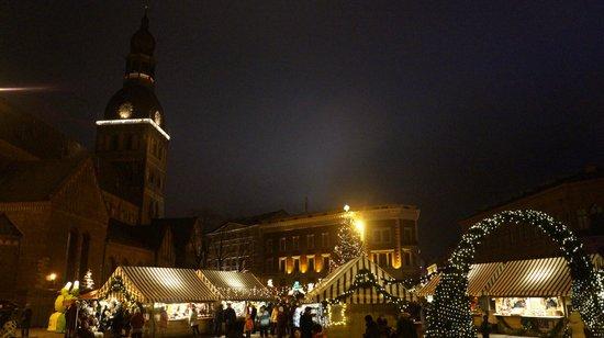 St. Mary's Dome Cathedral: Площадь в новогодние праздники