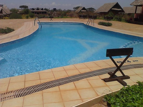 AA Lodge Amboseli: Pool side