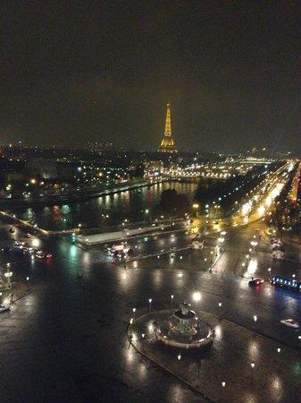 Suites & Hôtel Helzear Champs-Elysées: View from the wheel (not the hotel)