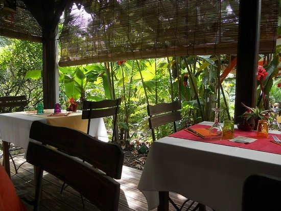 Restaurant 1643: Terrasse ombragée