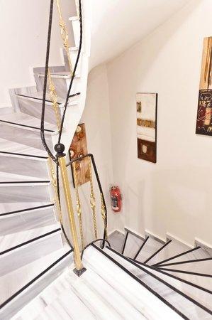 Sultanahmet Suite Life Hotel: Stairs