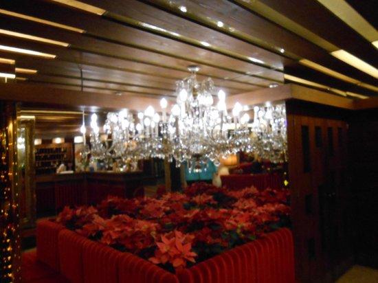Berger's Sporthotel: reception area