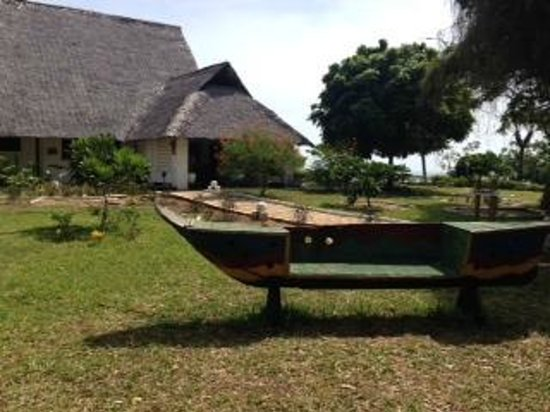 Changani Beach Cottages: hotel grounds