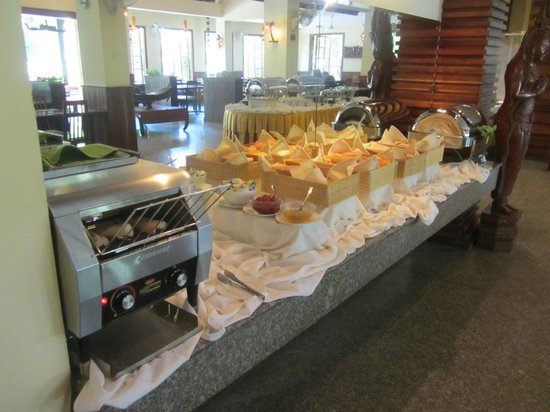 City River Hotel : breakfest