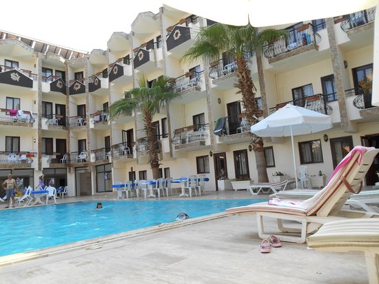 Stone House Hotel : бассейн