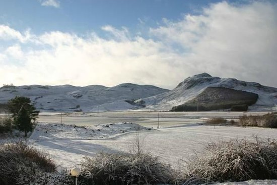 Laggan Hotel: View from hotel in winter