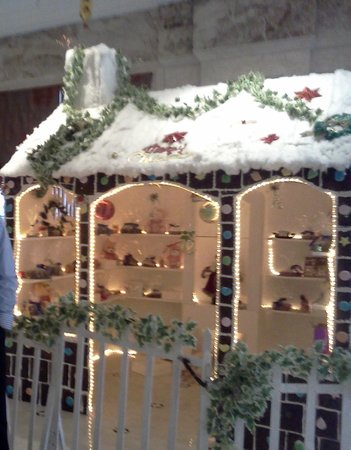 The Accord Metropolitan: Christmas decoration in hotel