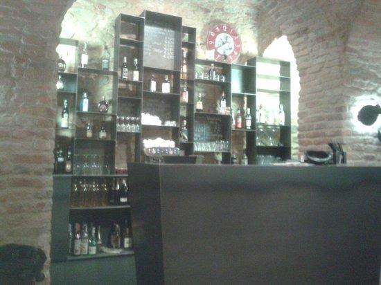 Tambass Teatro & Cucina : Scorcio del bar....