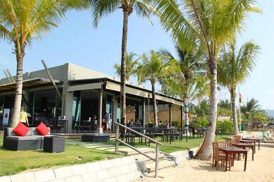 Hotel Chong Fah Beach Resort