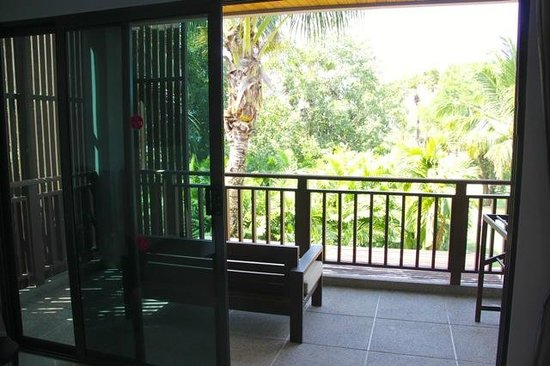 Ramada Khao Lak Resort: Balcony (deluxe room No 3408)