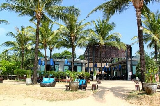 Ramada Khao Lak Resort: Restaurant outdoor area