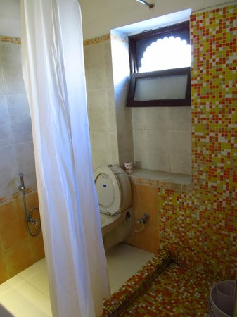 Hotel Mahendra Prakash: Superior Room Bathroom