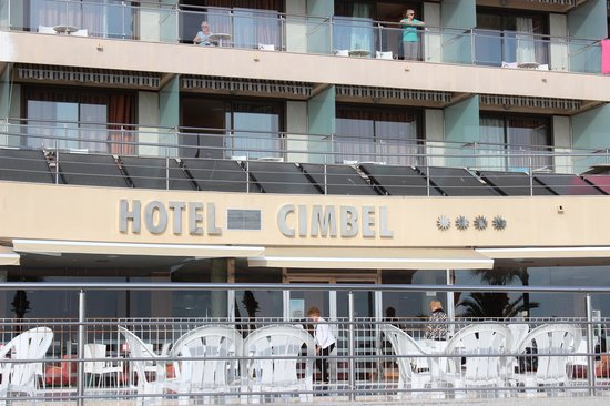 Hotel Cimbel : Front view