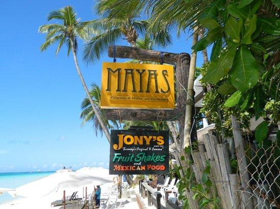 Jony's Beach Resort: Кафе на пляже