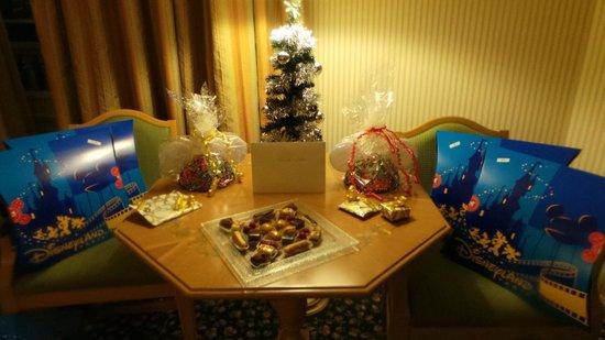 Disneyland Hotel : Christmas morning