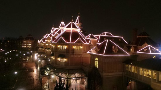 Disneyland Hotel : View from our room!