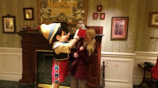Disneyland Hotel : Meeting Pinocchio