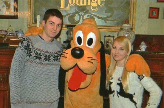 Disneyland Hotel : Meeting Pluto