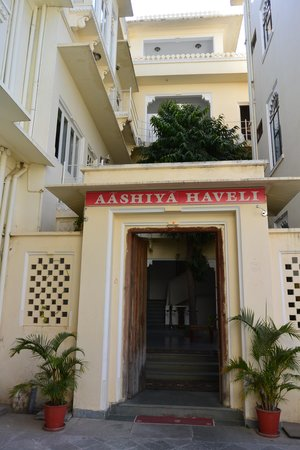 Hotel Aashiya Haveli: Hotel entrance
