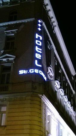 Hotel Saint George: Название