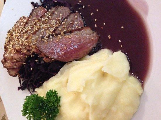 Aranysarkany Vendeglo: Honeyed goose steak