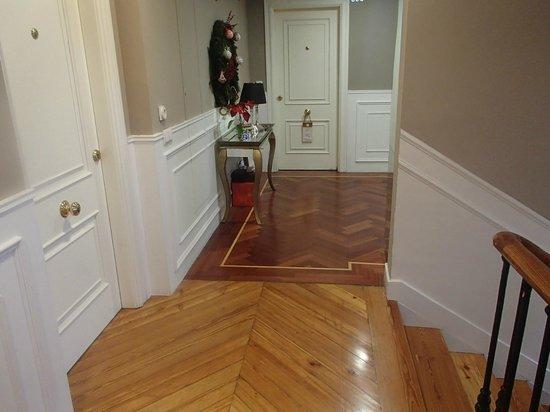 Luxury Suites: corridor