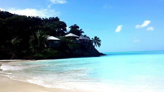 Starfish Jolly Beach Resort: plage du jolly beach, à côté de l'hotel Coco's