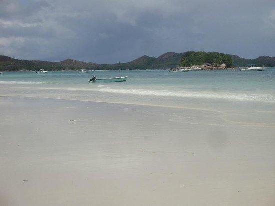 Coco Bay Villa: Beach Anse Volbert