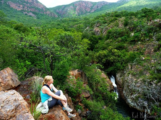 Mashovhela Bush Lodge: Overlooking Morning Sun Nature Reserve and the sacred Venda rockpool